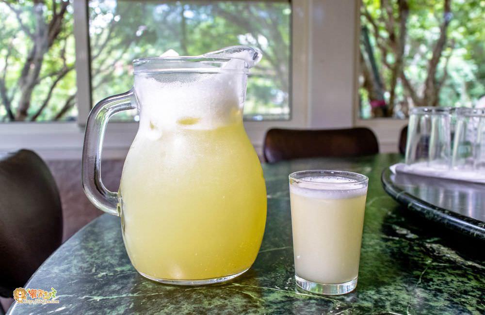 觀音山 綠野山莊土雞城現榨檸檬汁